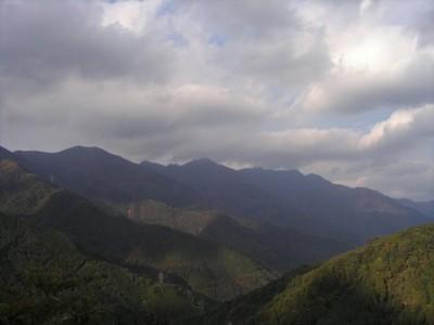 20081029大田尾越付近から赤石山系.jpg