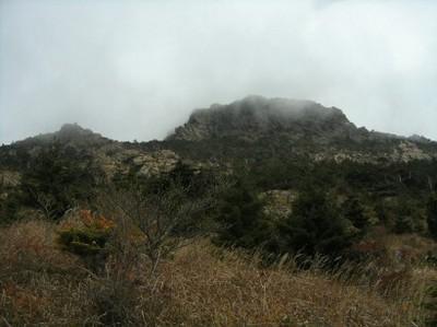 20081029東赤石山頂を望む.jpg