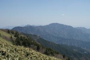 2009042917三ッ森山を望む.jpg